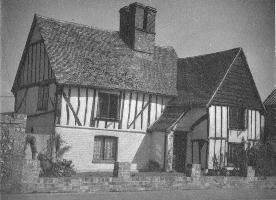 Image of old photograph of house in 1930s
